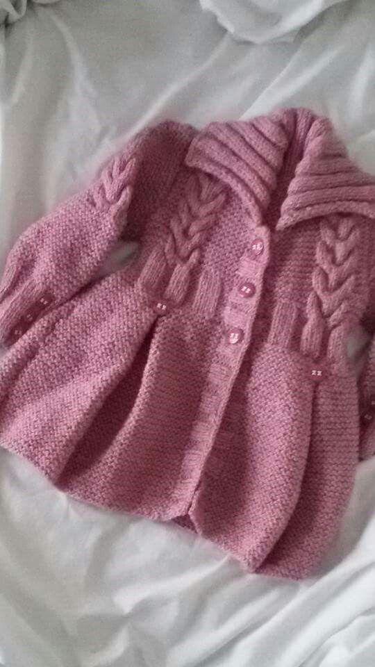 Abrigos de lana tejidos a palillos para ninas