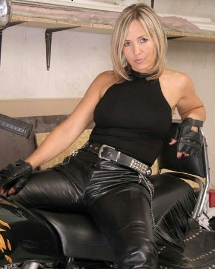 Pin auf Leather Ladies