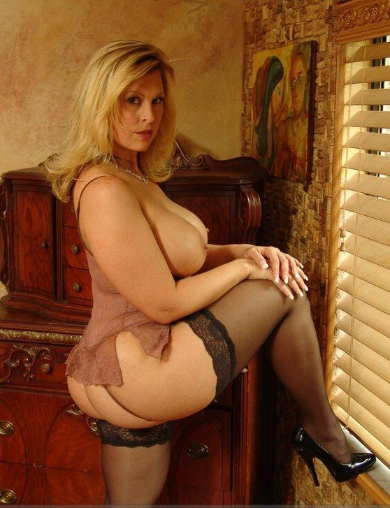 older tumblr outside nude women Mature