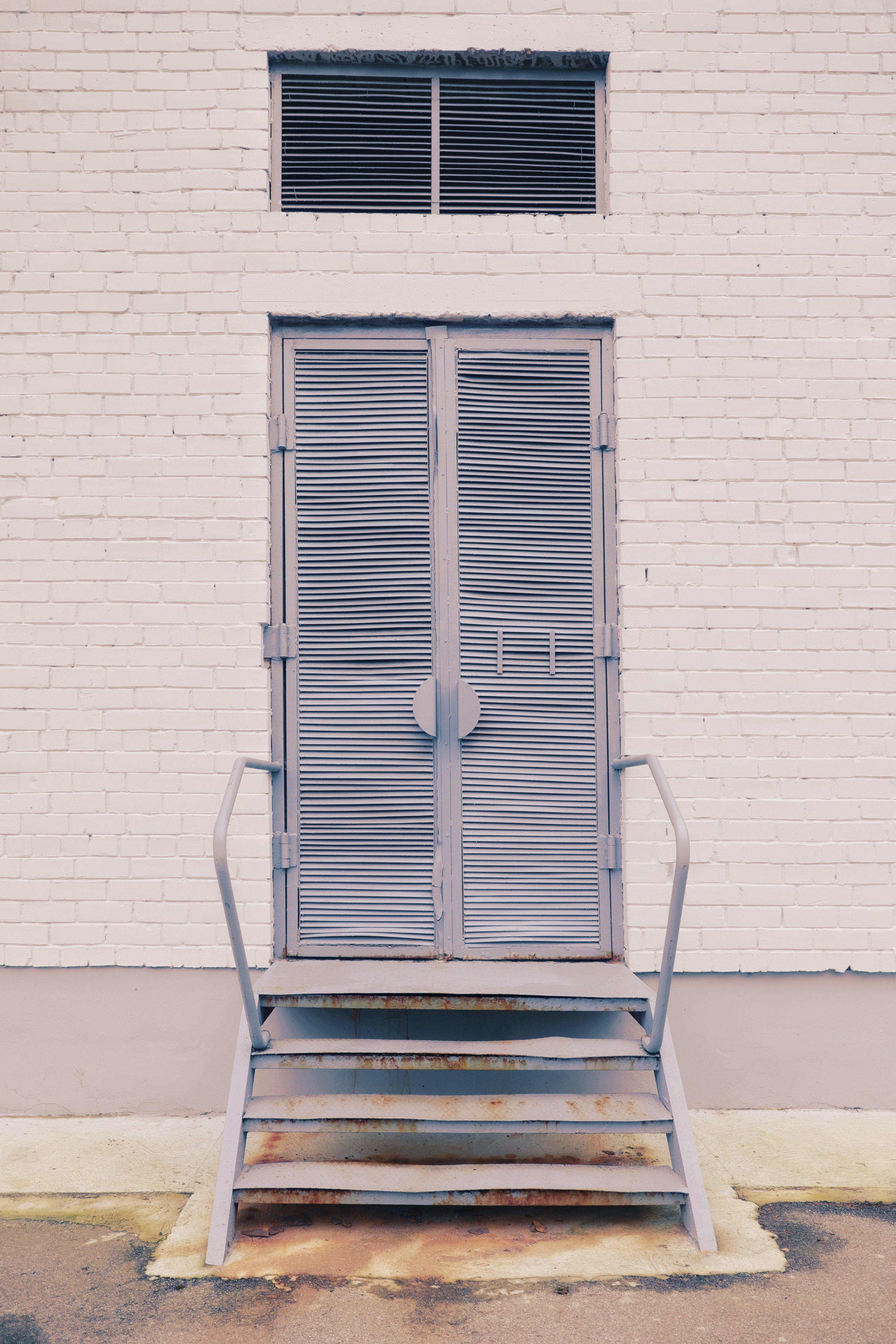 Photo of 9 Fantastiske bilder fra vårdekoren Hvit tre dør lukket på dagtid #hjem …