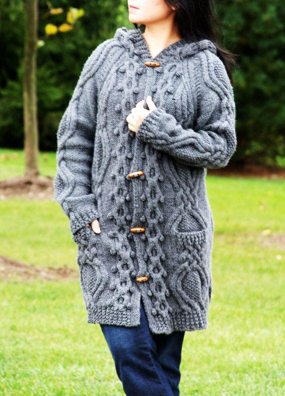 Las mujeres Cable grueso Aran pescador irlandés suéter capa | nadine ...