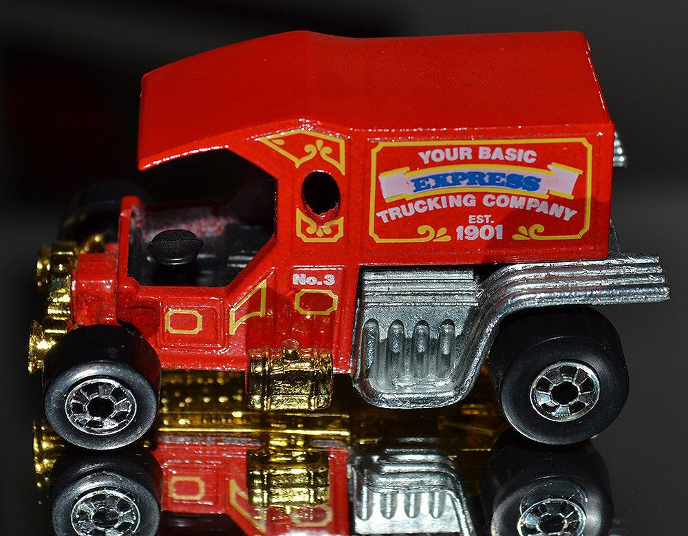 1980 HOT WHEELS COLLECTOR'S Red TTotaller Your Basic