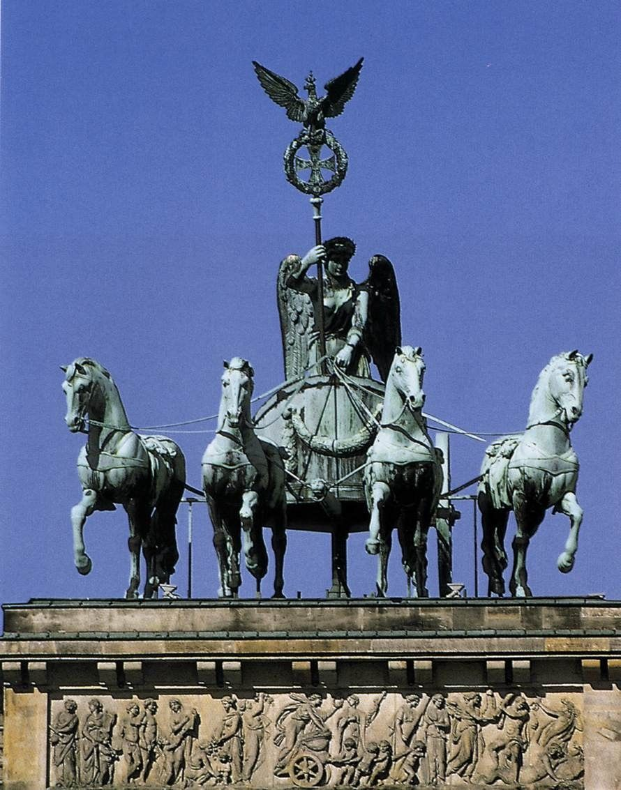 Quadriga Of Victory On The Brandenburg Gate It Was Seized By Napoleon During His Occupation Of Berlin In War Monument Brandenburg Gate German Architecture