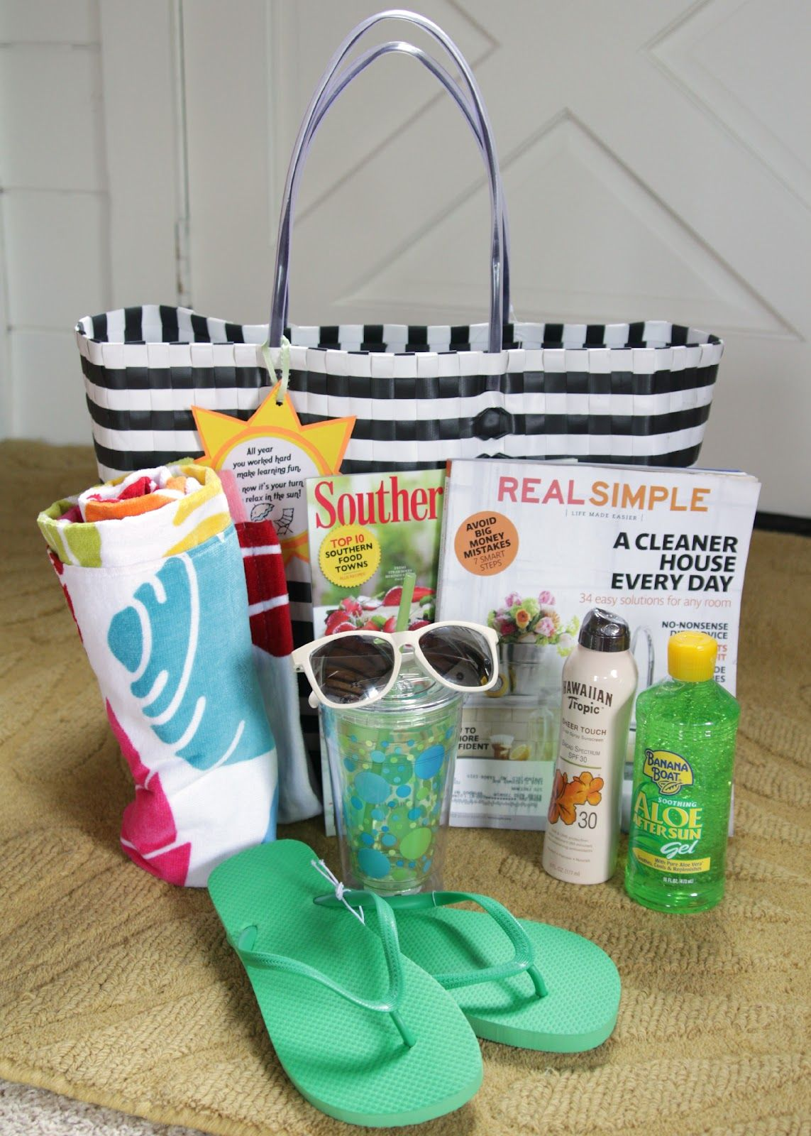 Classroom Gift Ideas ~ Teacher gift fun in the sun summer relaxation kit with