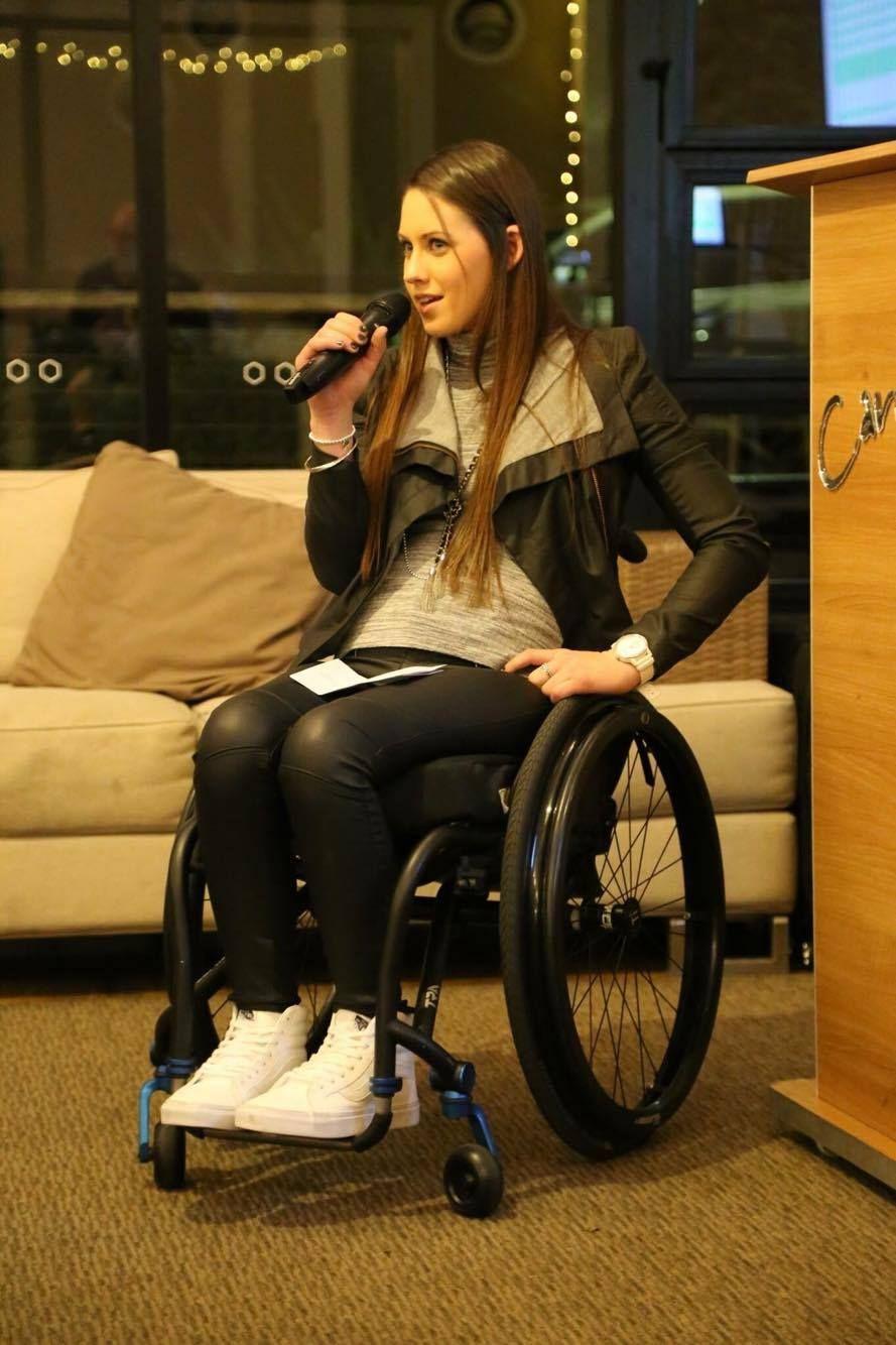 dating paraplegic nainen