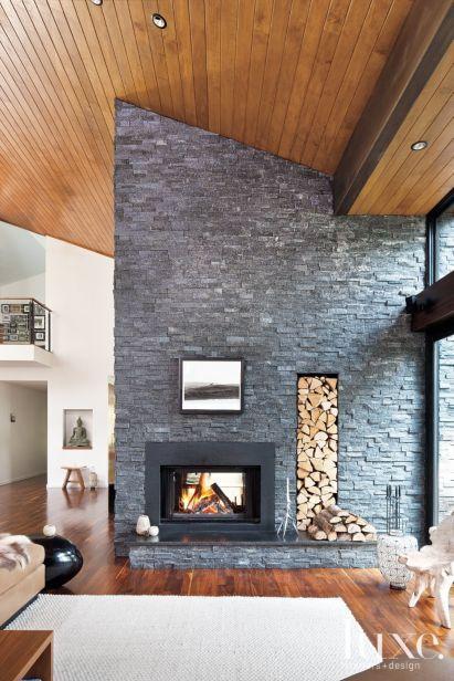 In den kalten Jahreszeiten sind Kamine und Öfen Wärmespender mit riesigem Gemütlichkeitsfaktor. Alle Arten von Kaminen, sei es im Landhausstil oder modern, gemauert oder als Raumteiler, für Wärme sogt das Feuer im Kamin oder Ofen immer.  Auch freistehende oder offene Kamine im Wohnzimmer sehen toll aus.