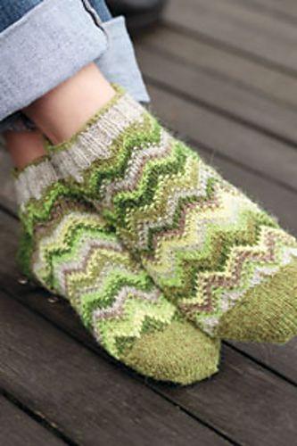 Ravelry: Natsa Sukka pattern by Chrissy Gardiner