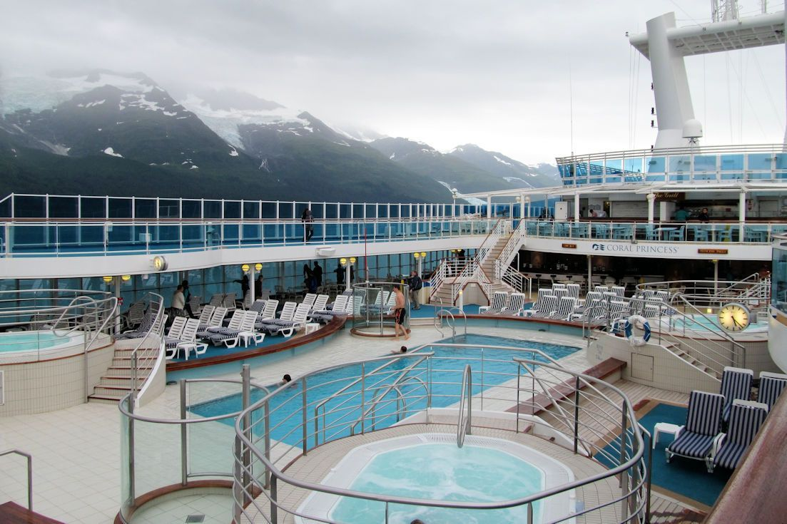Ultimate Packing List For Cruising Alaska #ultimatepackinglist Are you planning on cruising Alaska this summer? Print out this Alaska ultimate packing list and read the packing tips on sailing an Alaska cruise. #ultimatepackinglist