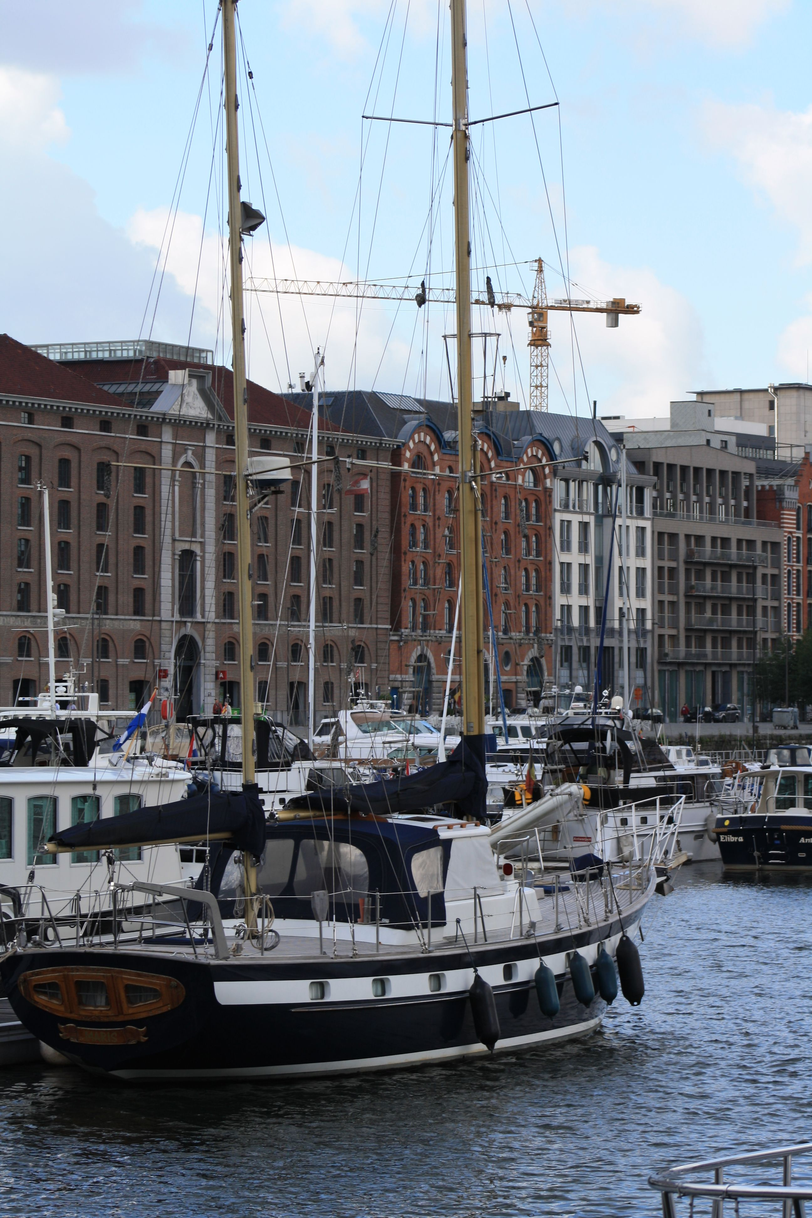 't Eilandje in Antwerp, check out all you can do, see and eat there!