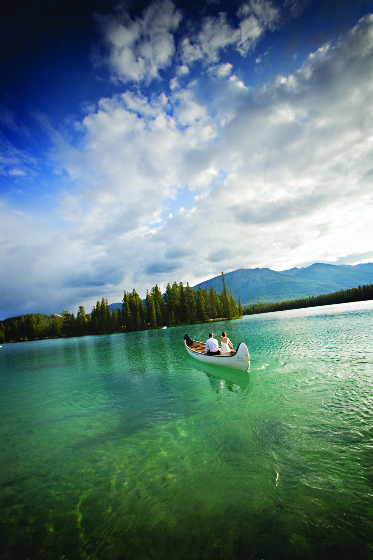 Take our Clipper Boat for a tour around Lac Beauvert in
