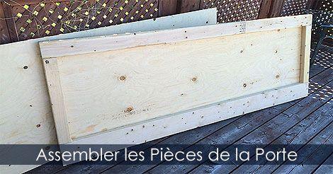 faire l 39 assemblage des pi ces d 39 une porte en bois assembler une porte de cabanon remise ou. Black Bedroom Furniture Sets. Home Design Ideas