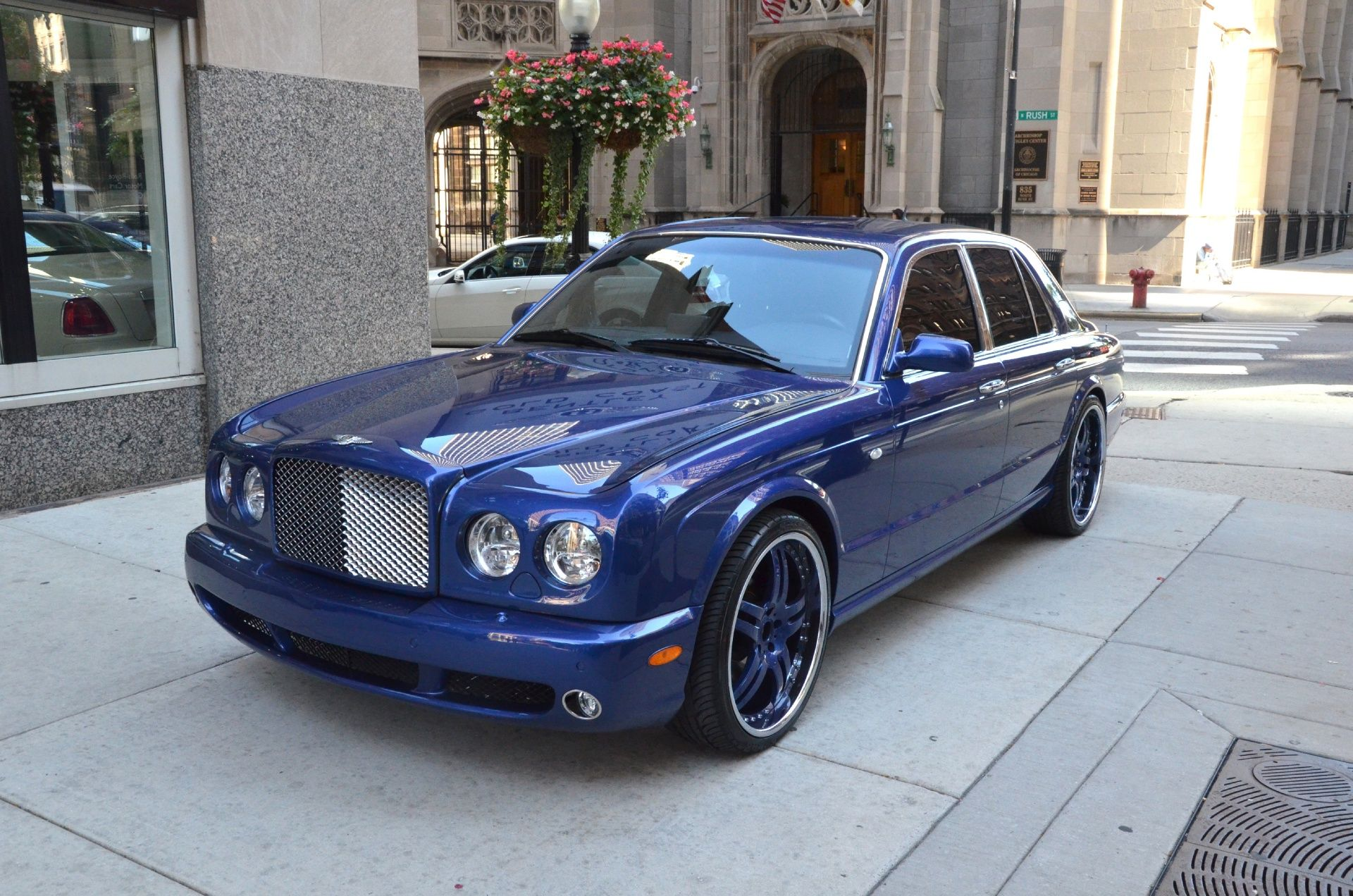 Bentley Gold Coast Is A Luxury Motor Car Dealer Located In Downtown Chicago Illinois Description From Bentleygoldcoast Co Bentley Arnage Bentley Luxury Motor