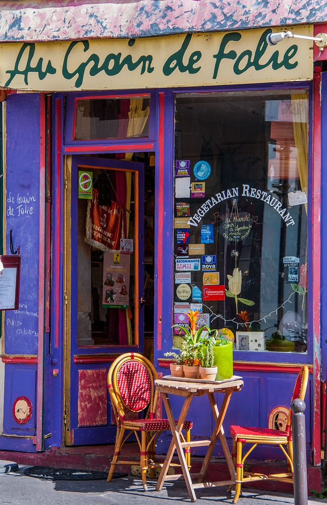 Very Small Restaurant in Montmartre #smallrestaurants