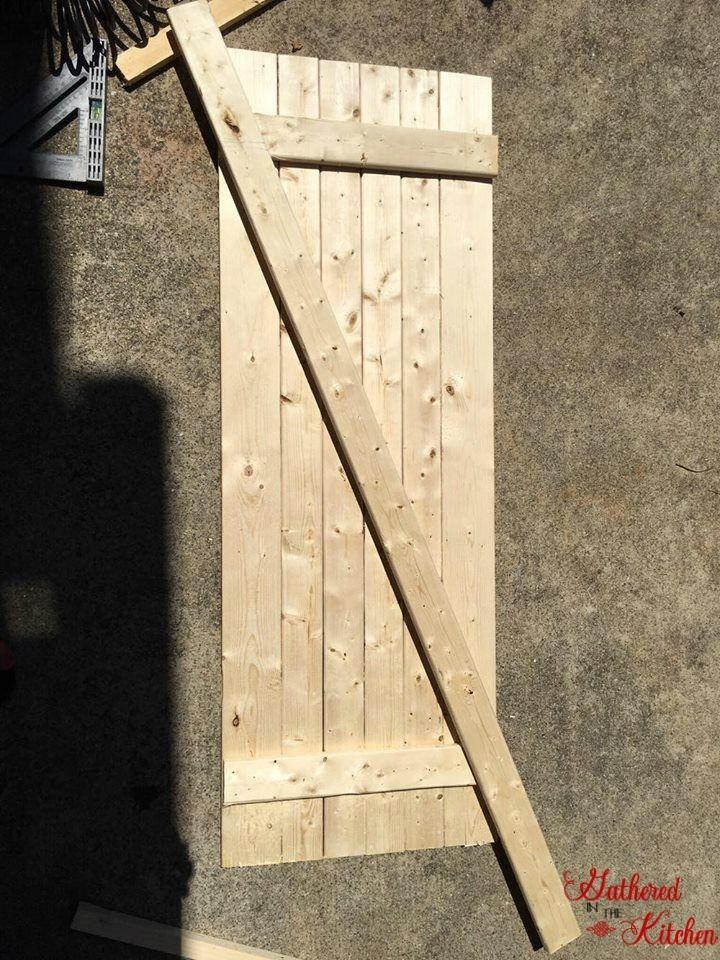 DIY Barn Door Under $10 & 30 Minutes #BarnDoors #barndoor #InteriorBarnDoors #FarmhouseDecor #Woodworking