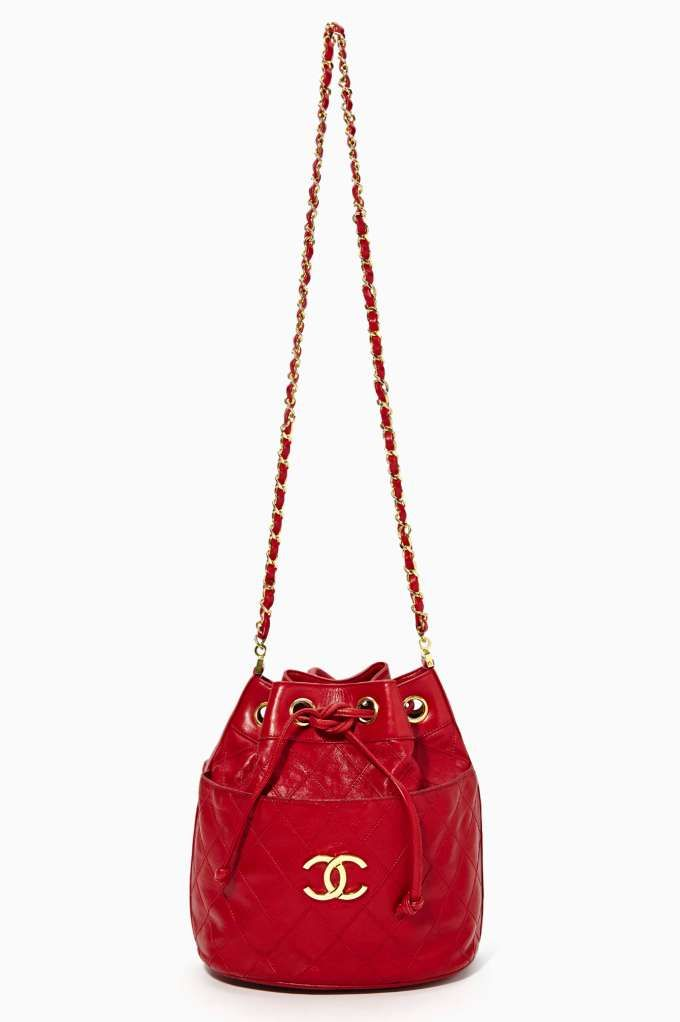Vintage Chanel Red Leather Bucket Bag   Chanel   Pinterest   Vintage ... ce9e26dcb0