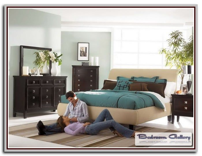 Martini Suite Bedroom Set
