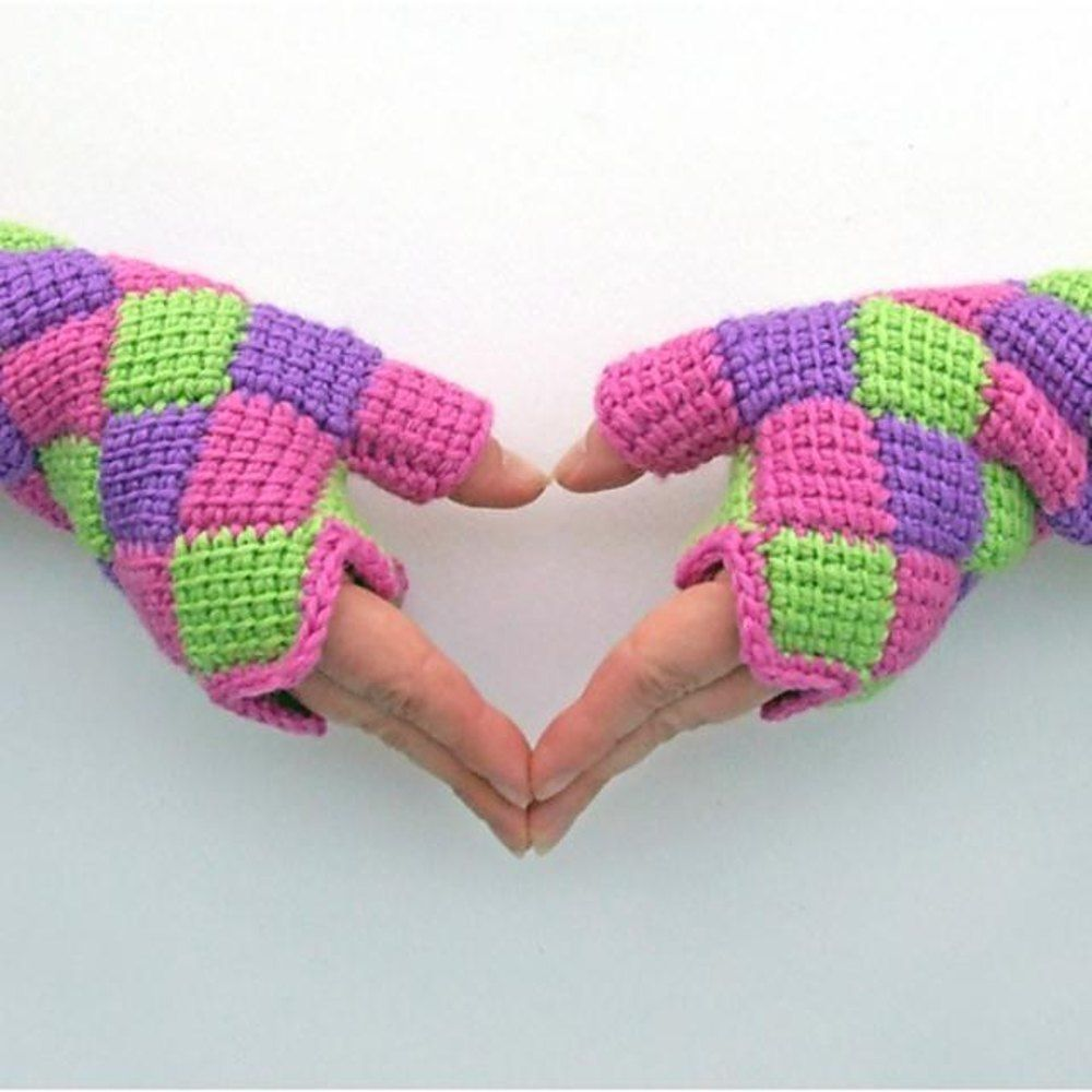 These Entrelac crochet gloves use Tunisian crochet stitch but are ...