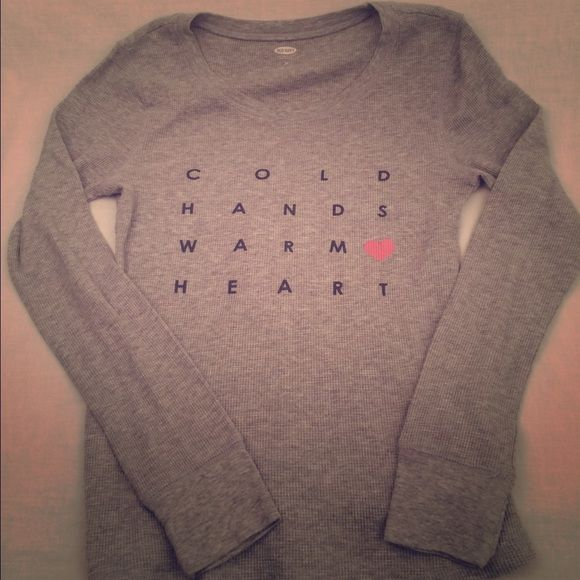 ❤️Cold Hands Warm Heart Thermal❤️ Gray old navy cold hands warm heart thermal. In flawless condition from a smoke free home. Size medium. Old Navy Tops Tees - Long Sleeve