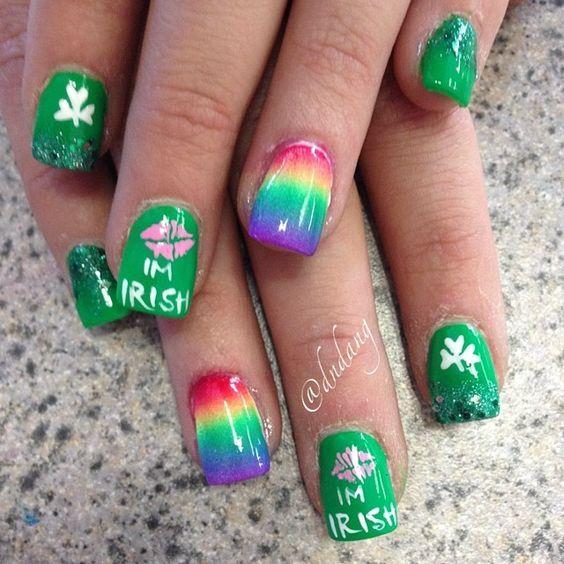Nail Art, Painting With Polish ~~!!~~ St. Patrick\'s Day, Kiss Me I\'m ...