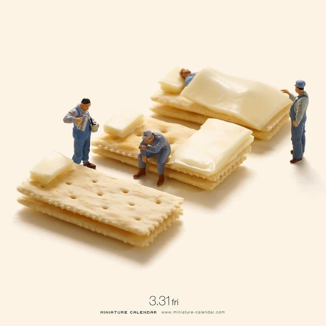 "Gefällt 38.4 Tsd. Mal, 105 Kommentare - 田中達也 Tatsuya Tanaka (@tanaka_tatsuya) auf Instagram: "". 3.31 fri ""Wake up"" . 「ベッドが固くて眠れなかった。。」 . . #クラッカー #チーズ  #正しい寝具を選びましょう #このあとおいしくいただきました #cracker…"""