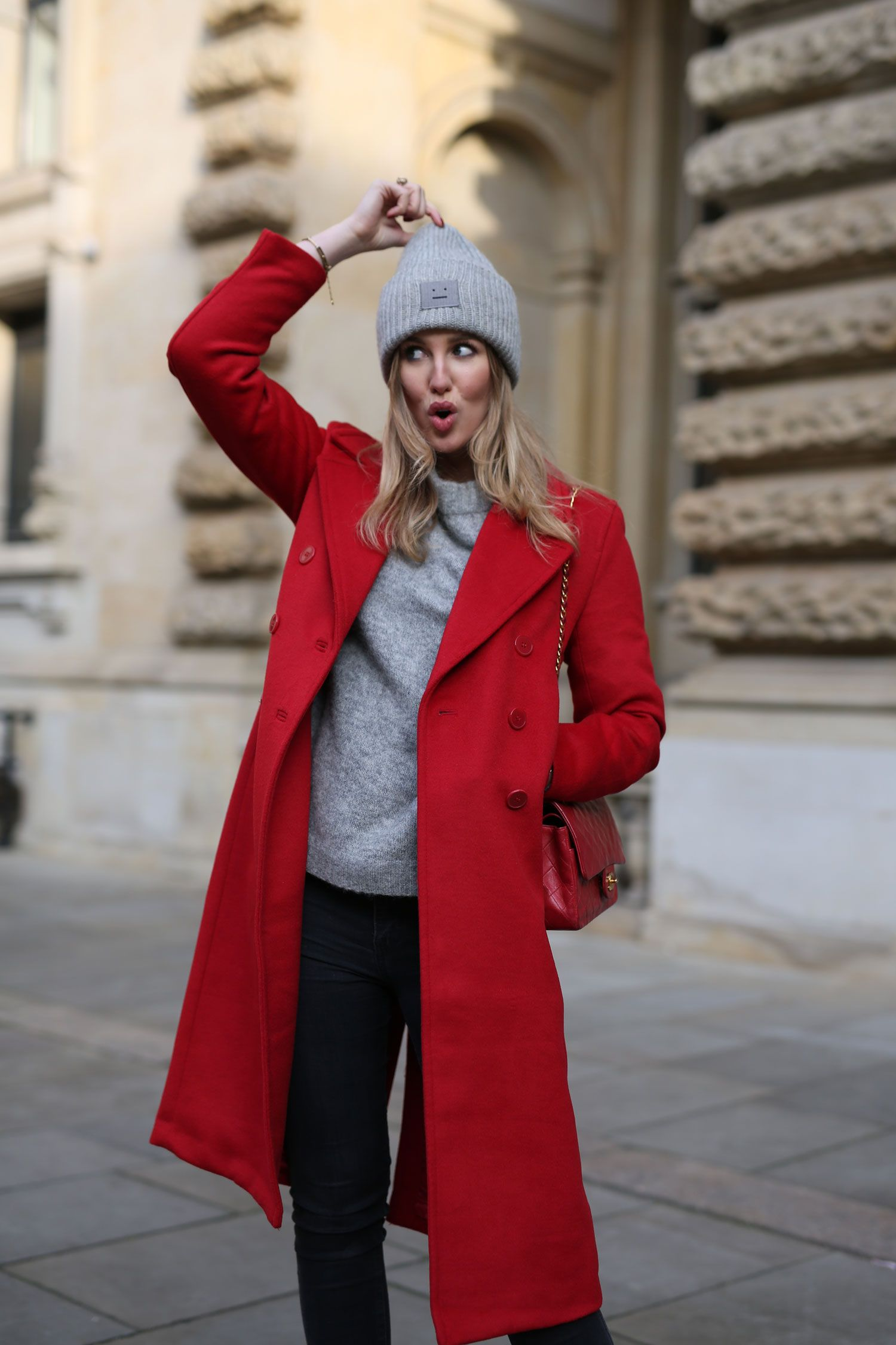 Roter mantel winter