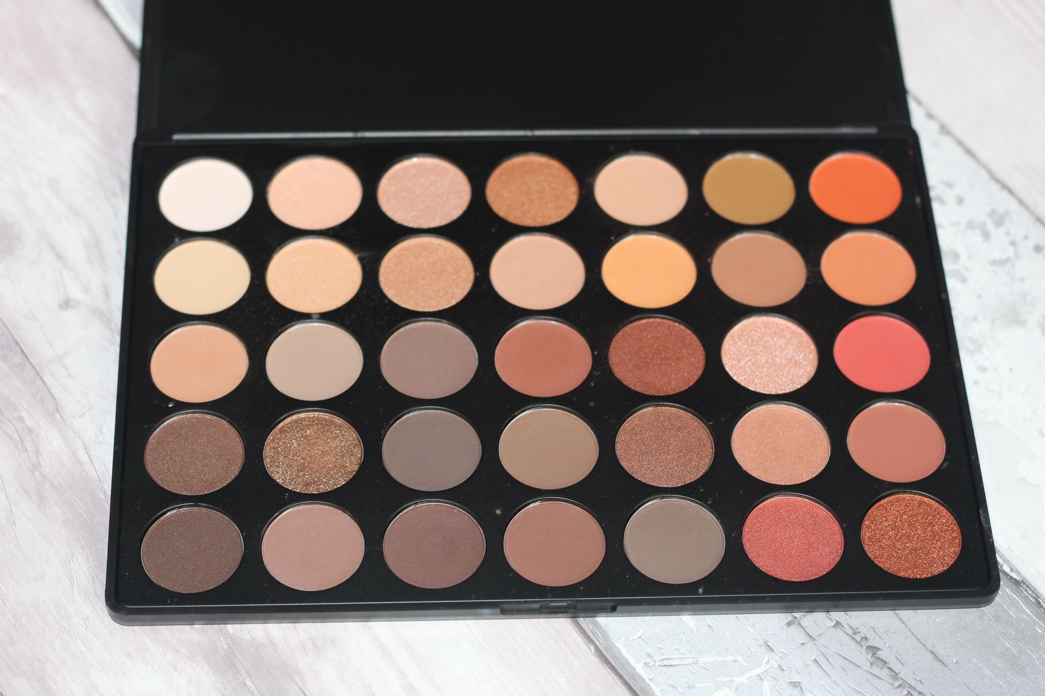 Morphe 350 Eyeshadow Palette Review & Swatches www