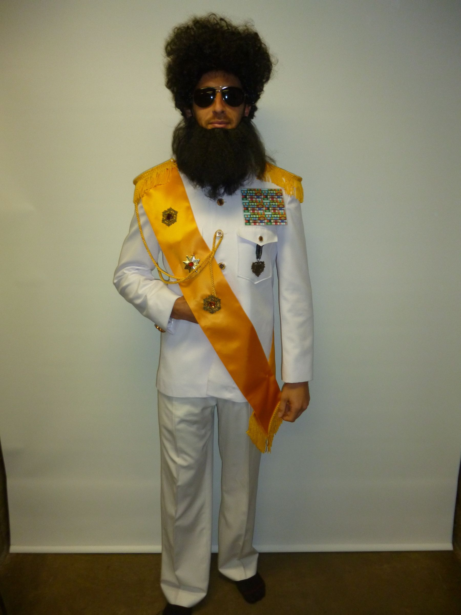 The dictator is in store. costume thedictator Mens