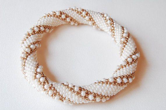 Bead Crochet Bangle: Double Reverse Spiral   Armreif, Perlen häkeln ...