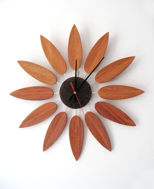handmade annatto clock wood wall clock red sanders clock sunflower shape clock art clock 028. Black Bedroom Furniture Sets. Home Design Ideas