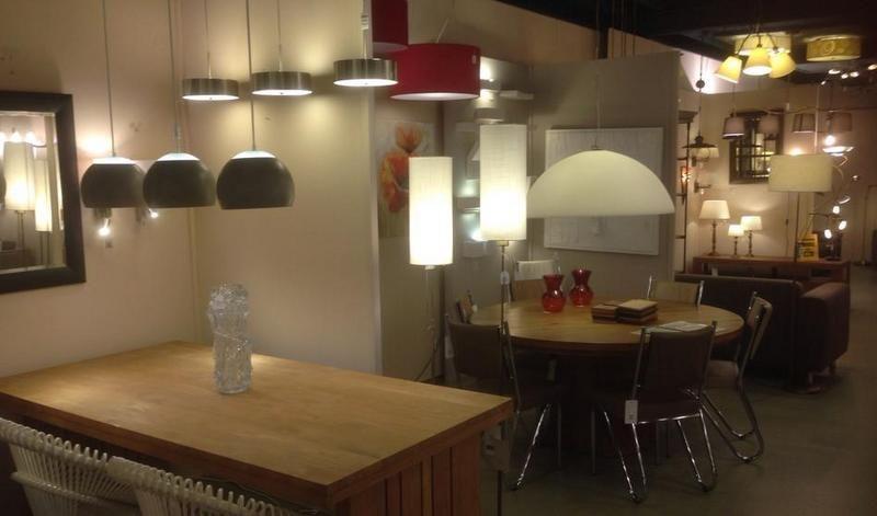 Showroom winkel interieur verlichting landelijke for Lampen en verlichting
