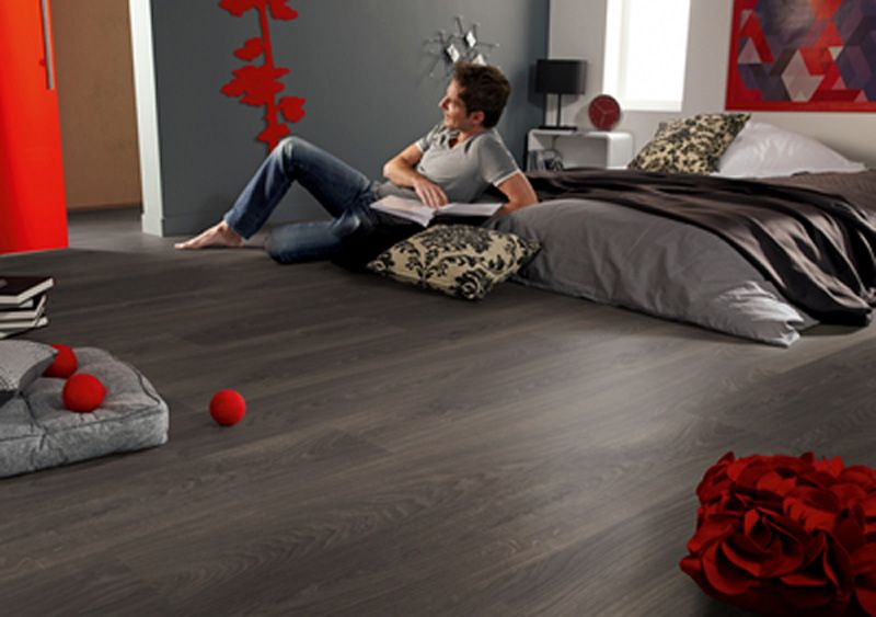 Laminate Tarkett Woodstock. Tarkett offers a unique variety of oak decors to create a comfortable, cosy atmosphere to reflect your lifestyle.