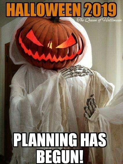 Pin By Kim Hickey On Halloween Halloween Memes Halloween 2019