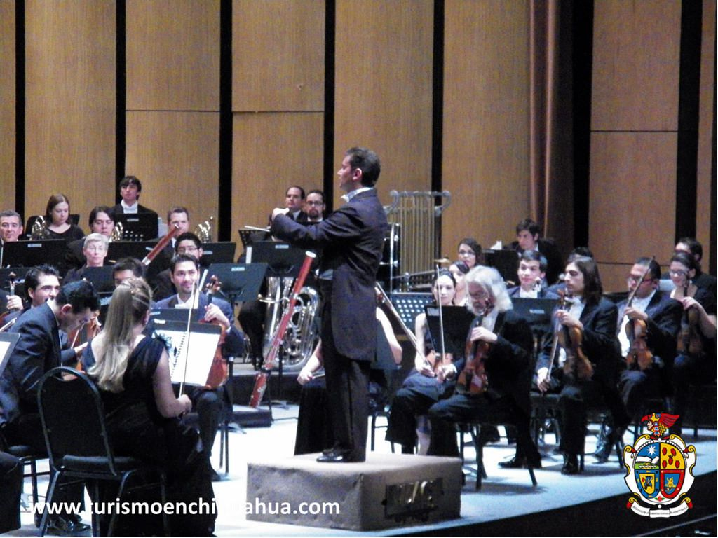 https://flic.kr/p/tvnGLB | TURISMO EN CIUDAD JUÁREZ TE COMENTA DE LAS ACTIVIDADES CULTURALES QUE PUEDES DISFRUTAR.1 | Ciudad Juárez, Chihuahua cuenta con muchas actividades culturales y algunas compañías locales como es la Orquesta Sinfónica de la UACJ, la compañía de ballet clásico de la UACJ y la Orquesta Sinfónica Esperanza Azteca, también muchas agrupaciones vienen desde distintos lugares del país y del mundo para dar presentaciones y recitales. #ciudadjuarez
