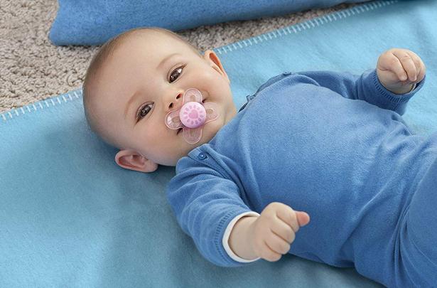 تفسير حلم طفل رضيع ذكر للمتزوجة والحامل والعزباء Children Pacifier