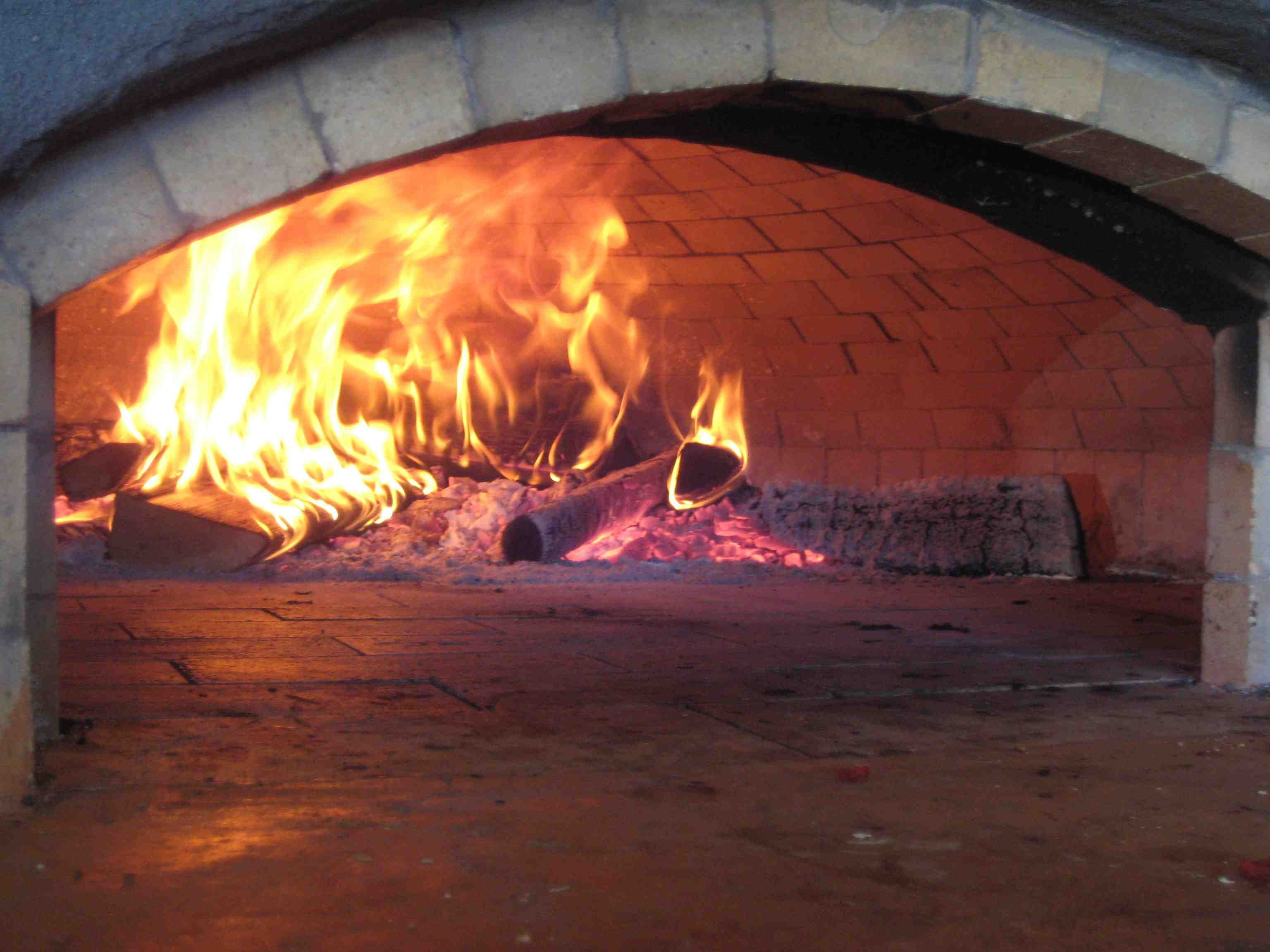 masonry oven and pizza Pizza pies and craft beer are what flour & barley does best at flour & barley – brick oven pizza you'll find a traditional pizzeria eatery complete with italian-american favorites to fit modern tastes.