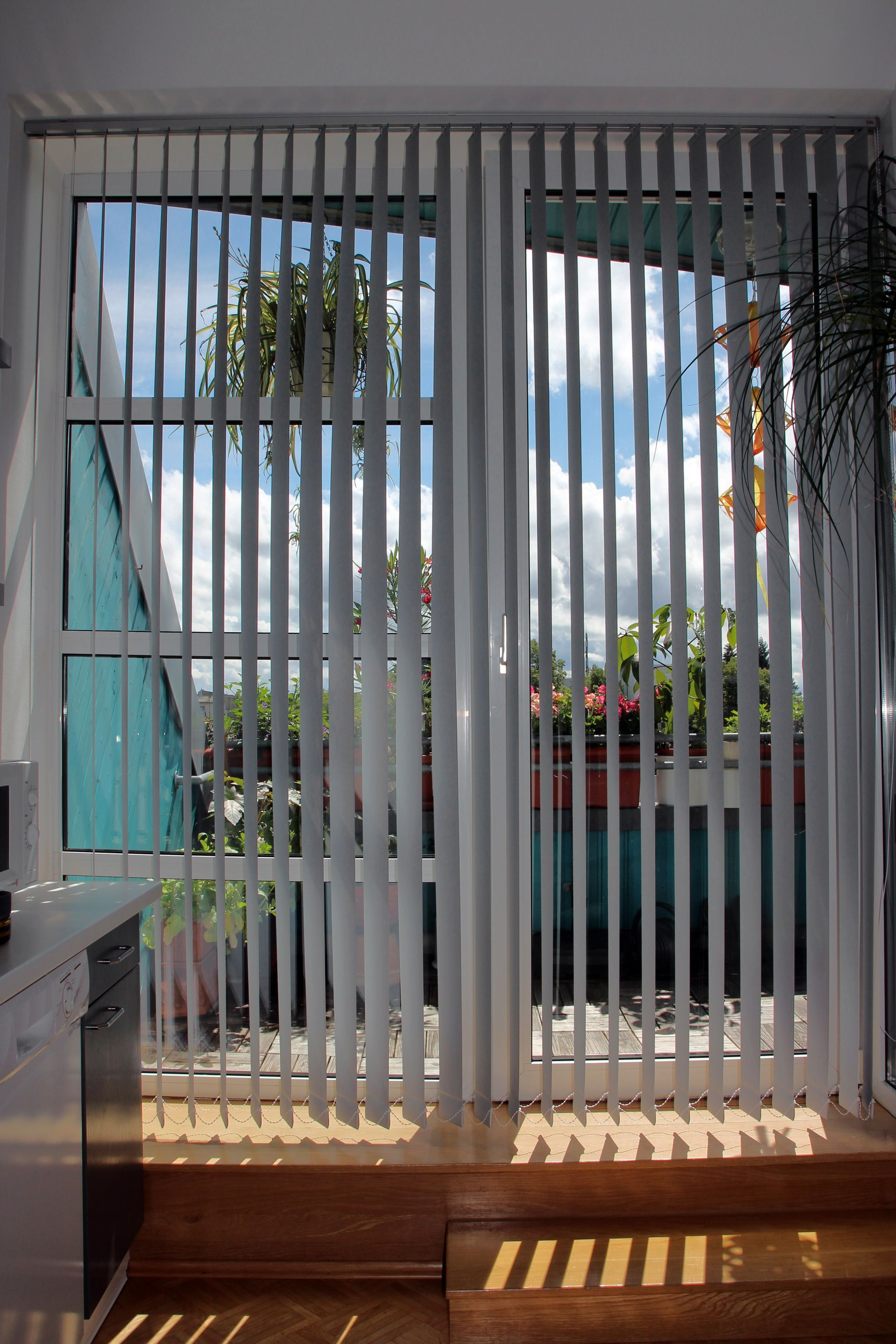 Lamellenvorhang Fur Die Balkontur Lamellen Vorhang Lamellenvorhang Vorhange