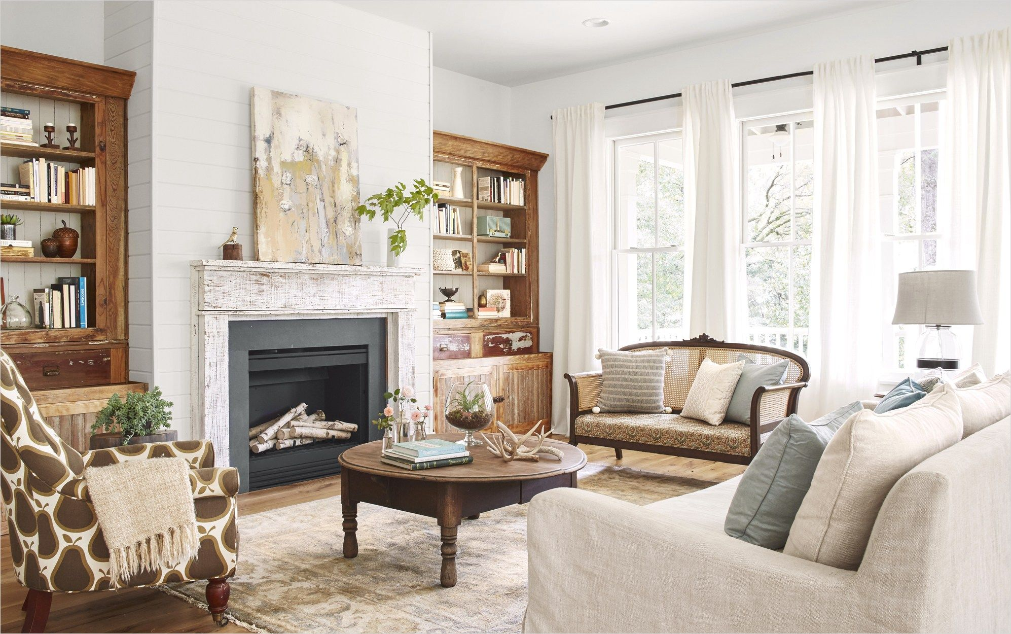 42 Cozy Country Farmhouse Living Room 75 Lauren Crouch Georgia Farmhouse Souther Farm House Living Room Country Style Living Room Country Living Room Furniture