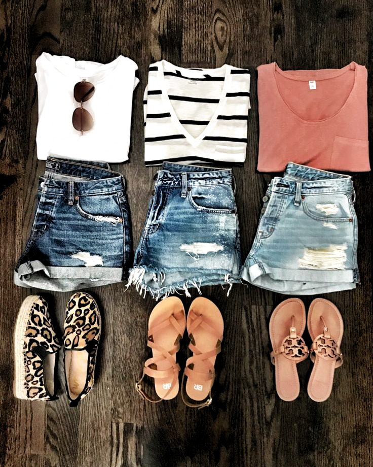 Best of the Week #summeroutfits IG: @mrscasual | Cute denim outfits