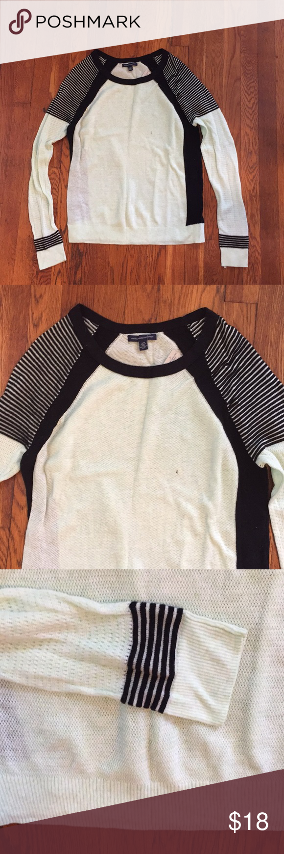 American Eagle Sweater So cute! So soft! So thin but warm! This is ...
