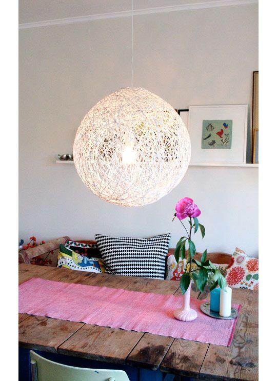 lampe aus wolle selbst machen diy pinterest lampen wolle und selbermachen basteln. Black Bedroom Furniture Sets. Home Design Ideas
