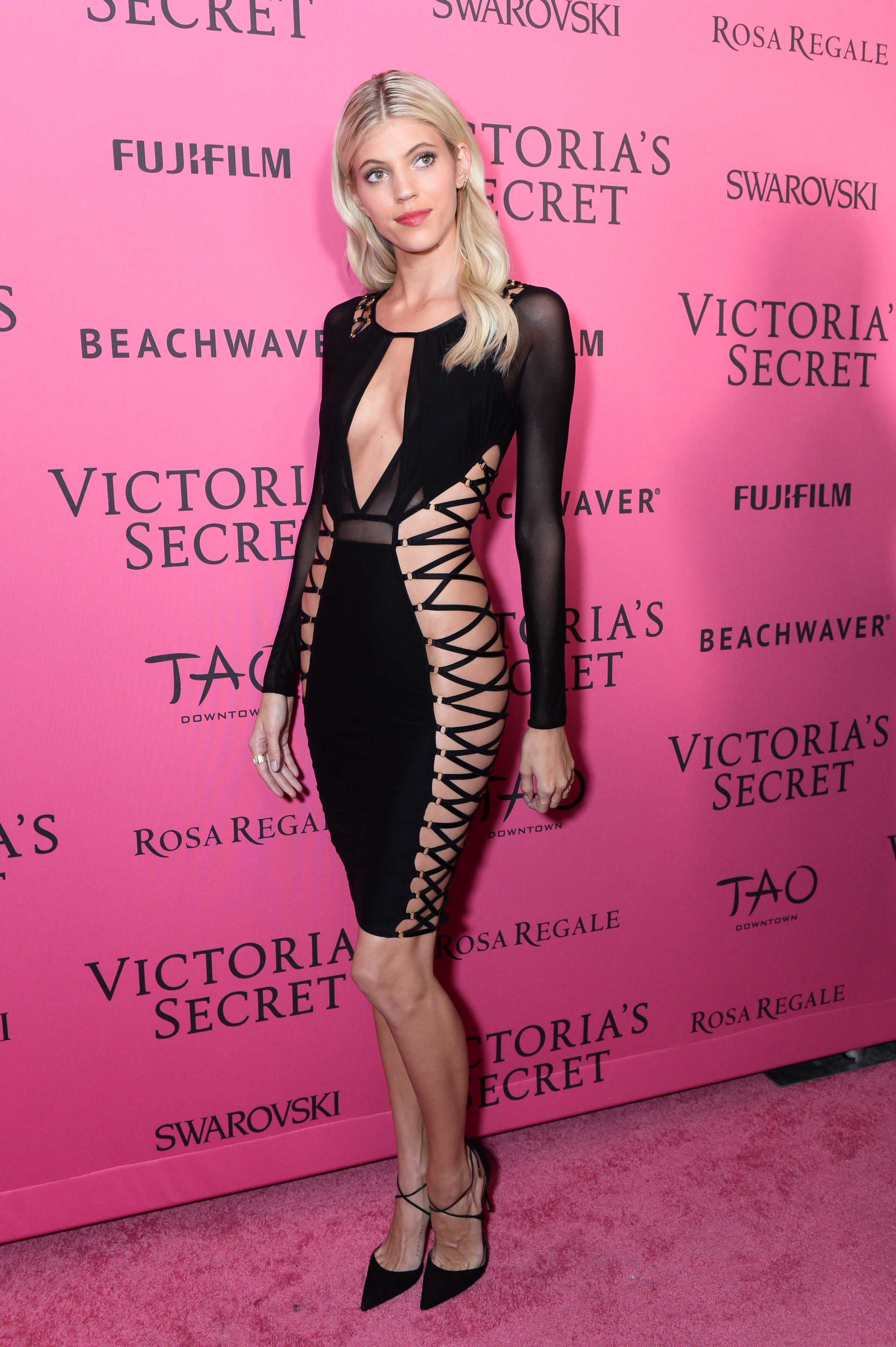 See What The Victoria S Secret Angels Wore To The After Party Victoria Secret Victoria Secret Angels Victoria Secret Fashion Show [ 3600 x 2396 Pixel ]