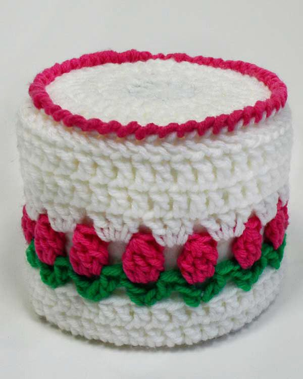 Free Crochet Patterns For Toilet Tissue Holders : Maggies Crochet ? Free Rosebud Toilet Paper Topper ...