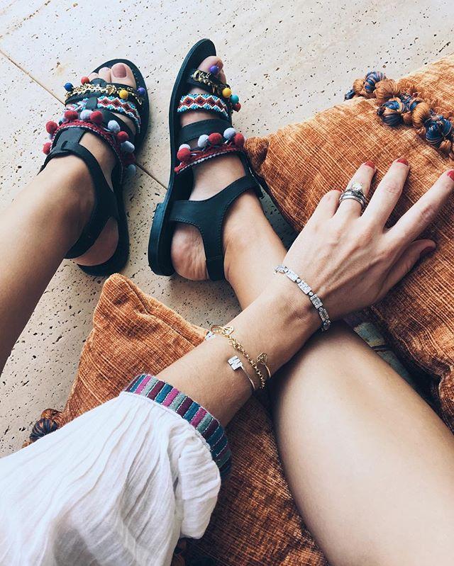 Today's details 🌟 Os detalhes de hj pra vcs! A bata é Zara e a sandália é Asos 💋 #ootd #araçatexas #momshome