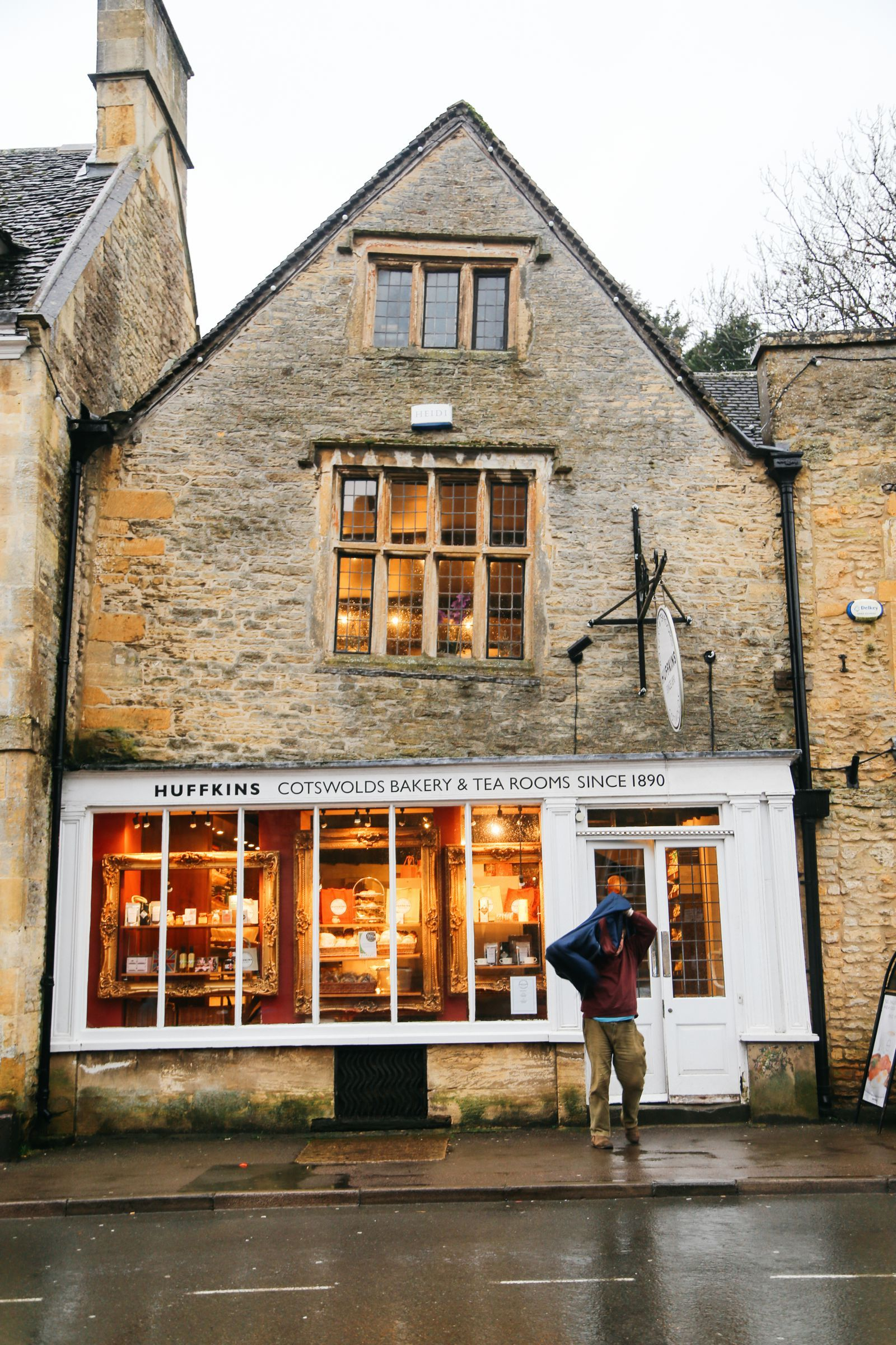 3 Neighbouring Villages & Towns You Need To Visit In The Cotswolds, England #travelengland
