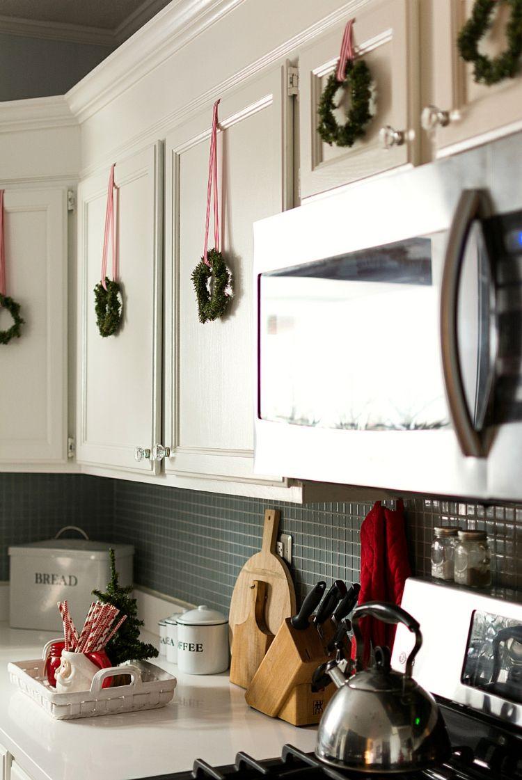 Küche weihnachtlich dekorieren küchenschränke gestalten weihnachten ...