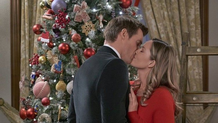 Hallmark Added A Brand New Christmas Movie To Its Schedule Just In Time For The Holiday Bustle Hallmark Movies Hallmark Christmas Movies Christmas Movies