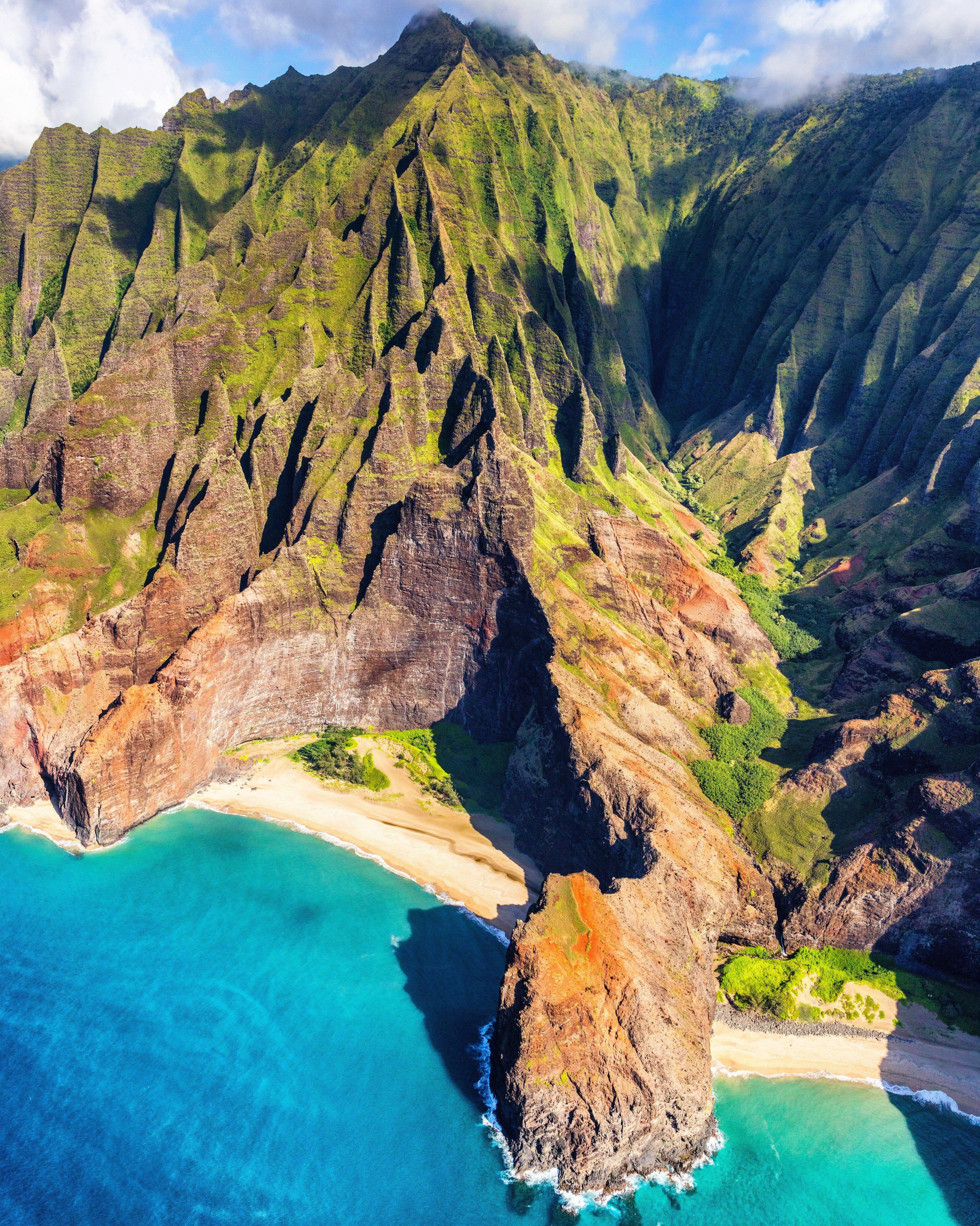 Paradise found 📍 #NaPaliCoast #BucketList