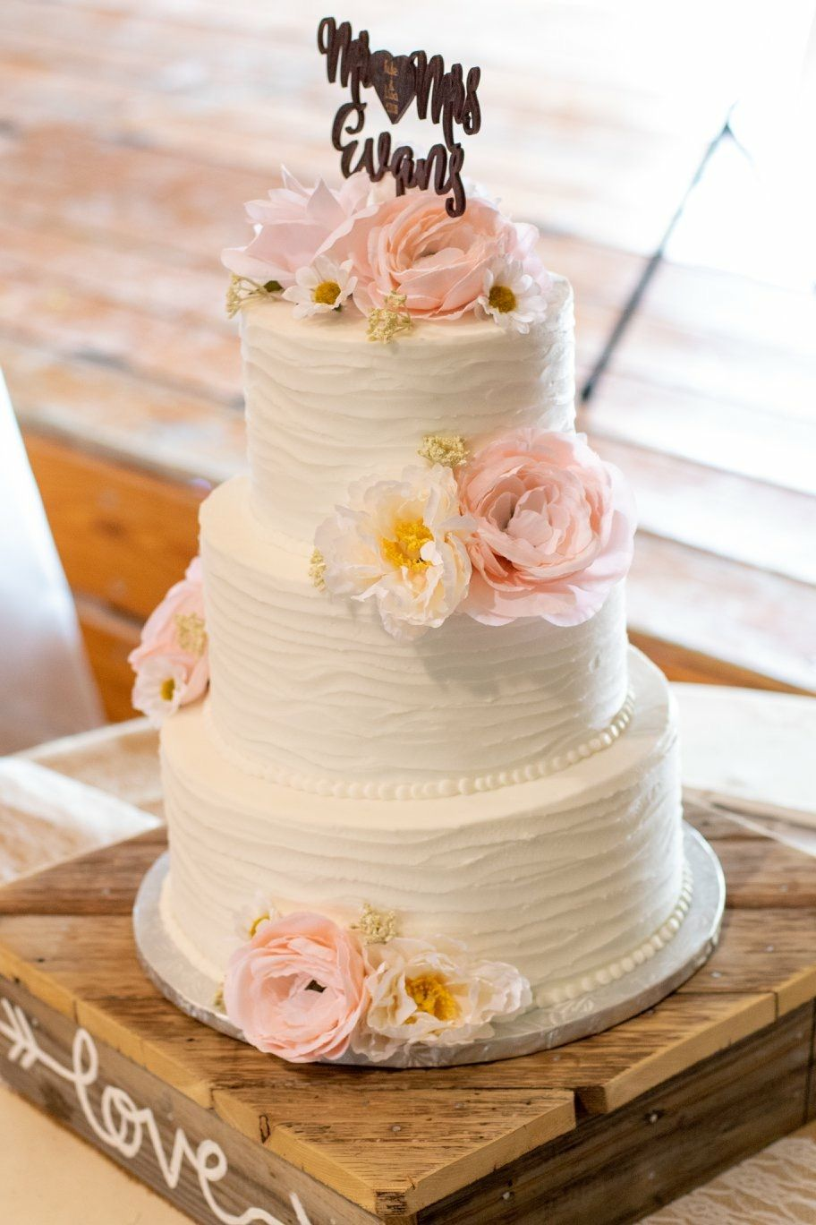 Rustic Wedding Cake Pink Flowers Mckays Bakery Abilene Wedding