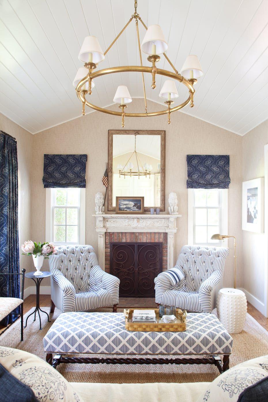 southampton cottage living room  cozy living room design