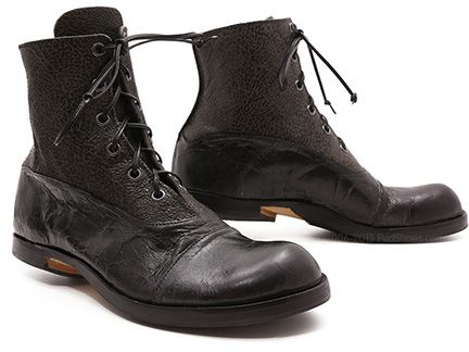 Cydwoq Iota in Black Crackle | Shoes order, Boots, Shoes
